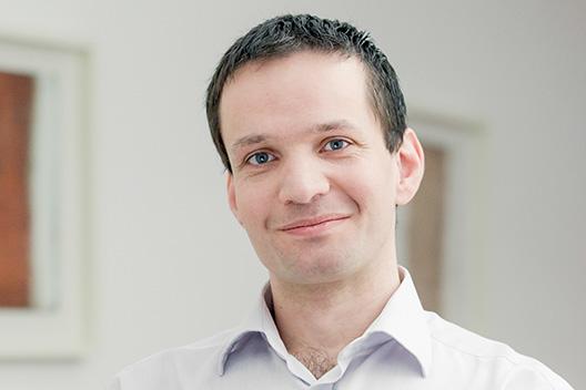 Dr. Roman Szlauer